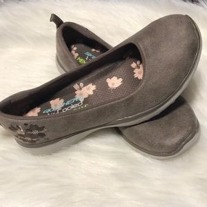 Sketchers Brown Embroidered Memory Foam shoes